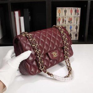 ✨Authentic💯%CHANEL💯%min flap bag with gold hardware